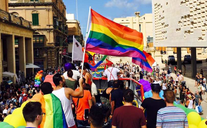 Malta_gay(1)_810_500_55_s_c1